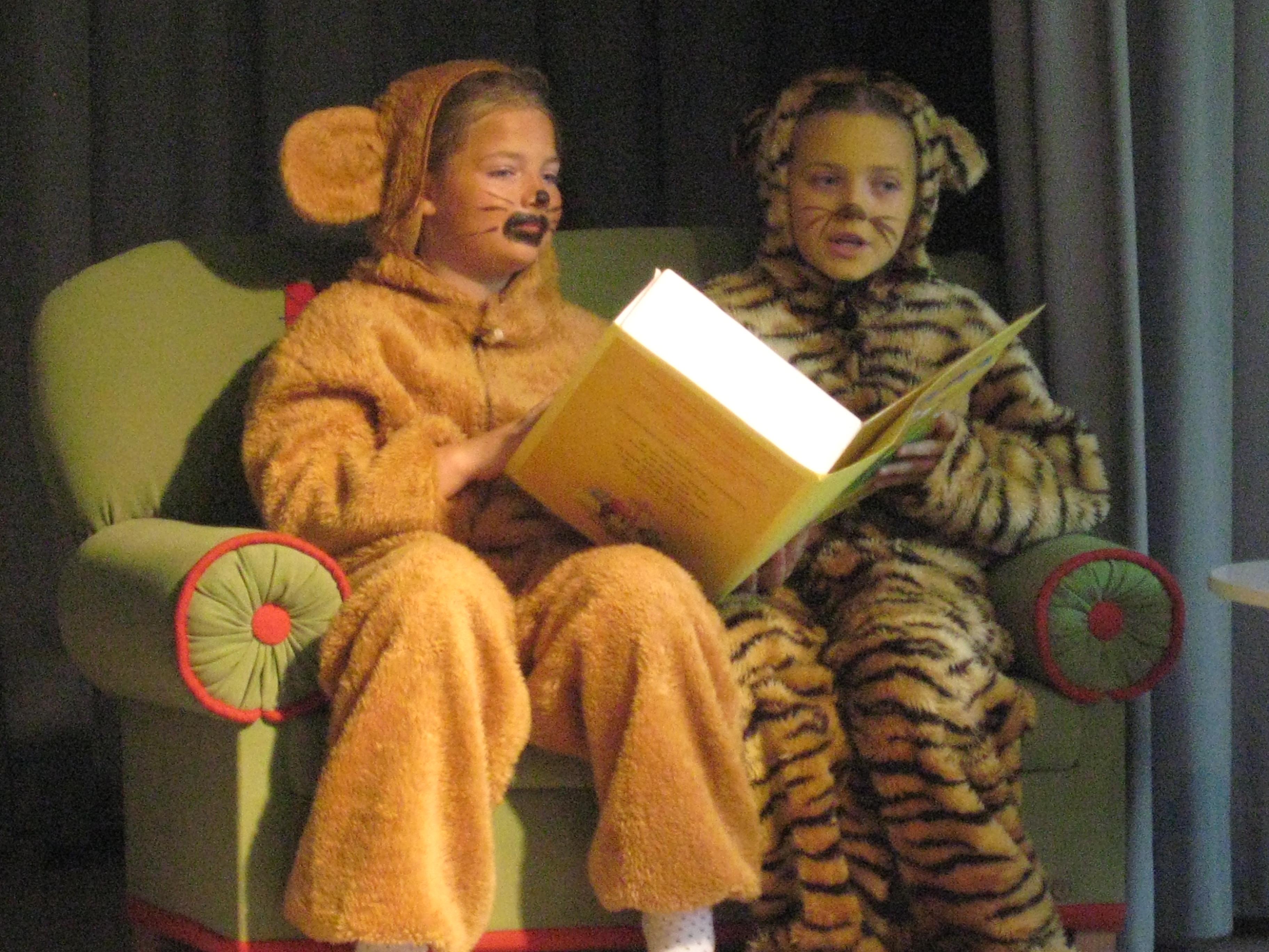 Eine Szene aus einer Theatervorführung