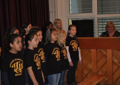 Der Schulchor singt