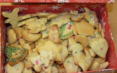 Backen und Basteln vor Weihnachten in der Hasenklasse 1b