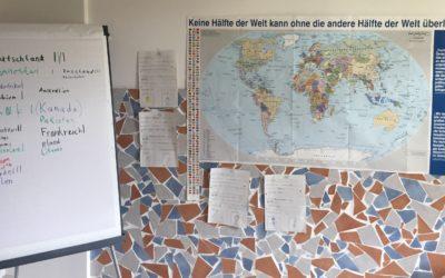 Engel der Kulturen: Die Klasse 2b zu Besuch im Haus Oberlar